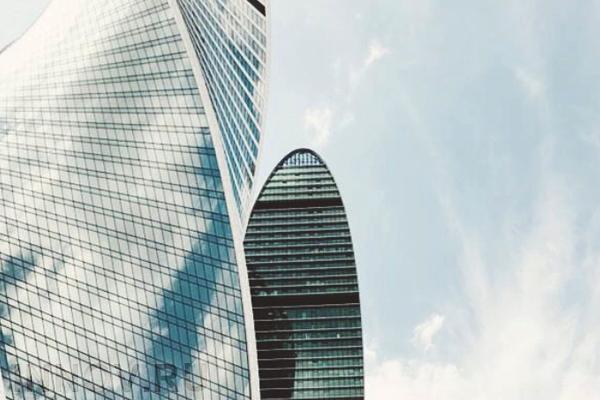 Высотные башни постепенно перехватывают рынок жилой недвижимости