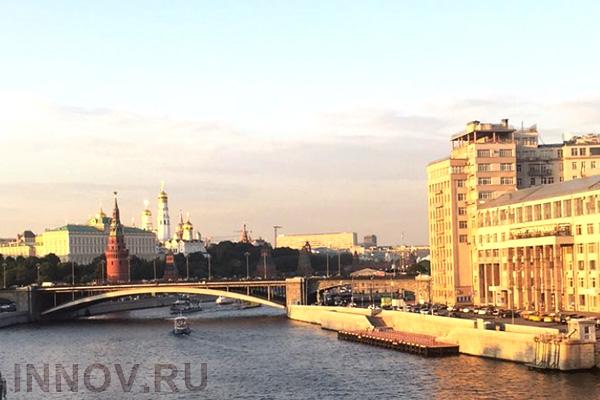 Выставлено на продажу здание XVIII века на Кремлевской набережной в Москве