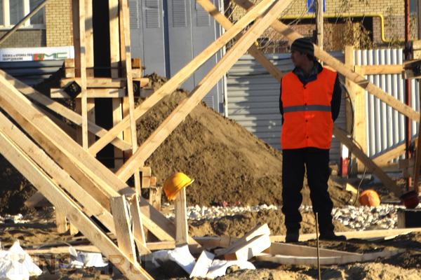 В Ленинском районе ведётся строительство жилого многоквартирного здания
