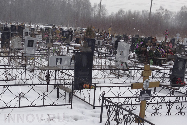 Почему лучше заказывать памятник и его установку у производителя в Москве