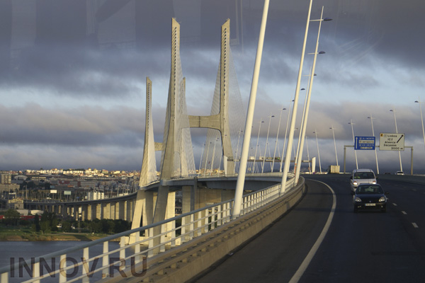 Завершено асфальтирование автодорожной части Крымского моста