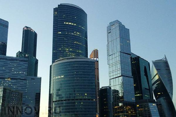 Напротив «Москва-Сити» приступили к строительству многоуровневого паркинга