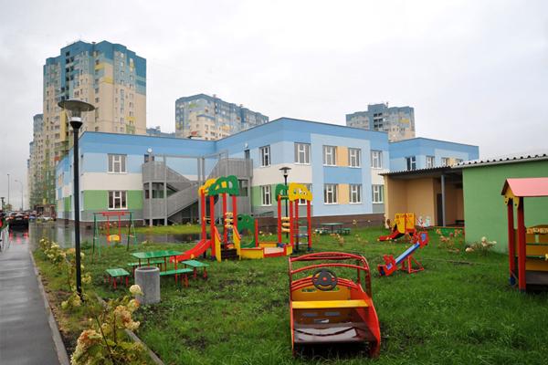 В Зеленограде на территории района Крюково возводят два детских сада