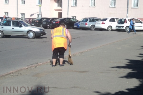 В Москве долги за коммуналку можно отработать дворниками