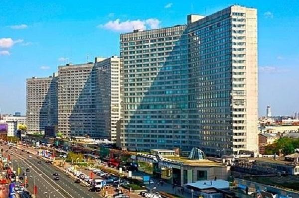 «Дом-книжка» на Новом Арбате станет апартаментами The Book