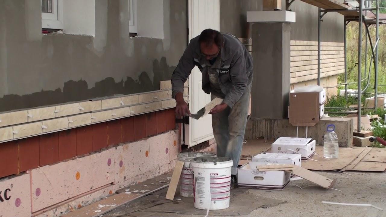 Как монтировать искусственный камень на стену